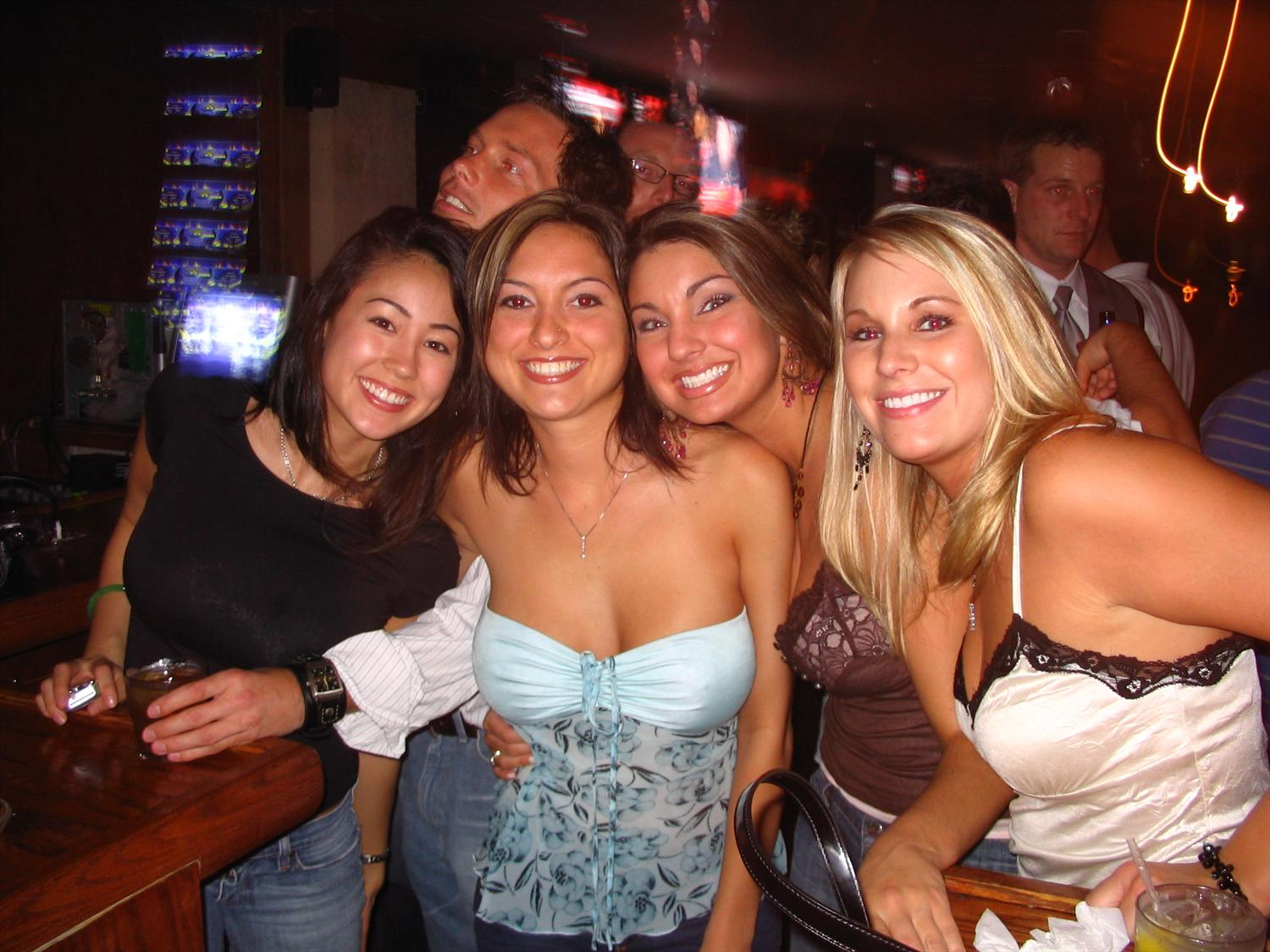 The Best Houston Hookup Bars & Clubs | SoNaughty